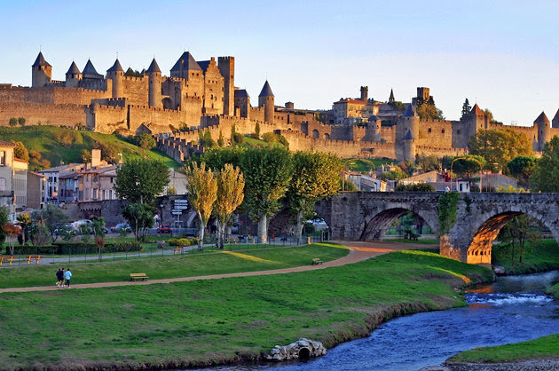 540x358xcarcassonne-2.jpg.pagespeed.ic.HOH2Pf4eK7